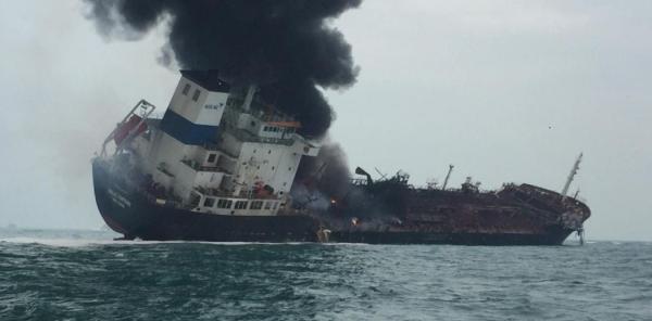 香港南丫岛海面一货船疑爆炸起火致1死,...