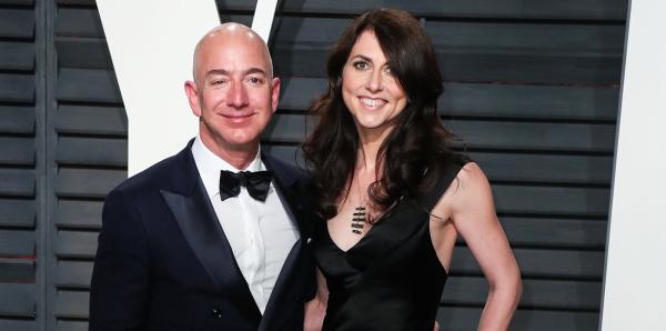 世界首富贝索斯离婚:妻子能拿685亿美元...