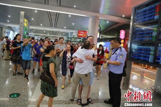 重庆警方2018年帮助65名被拐儿童找到亲...