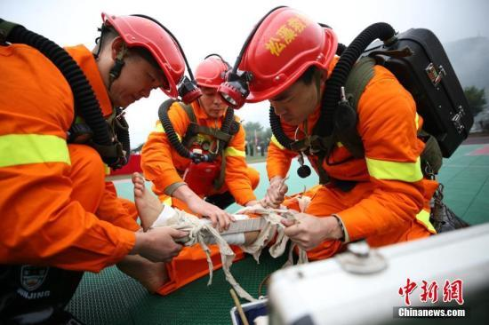 中国首批消防员招录近期开展 面向社会...