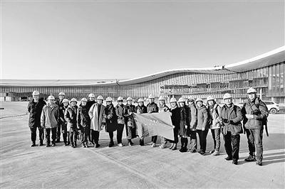 北京大兴机场露真容 4月完成装修9月30...