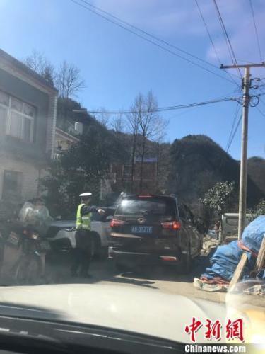 农村春节习俗变迁:外出旅游、网购年货...