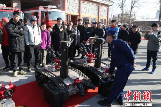 北京消防员招录已获上千人报名 邀适龄...