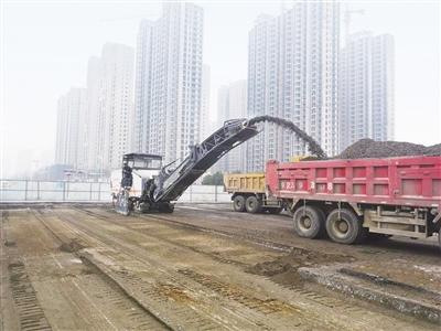 南阳市城区信臣路道路维修工程开工