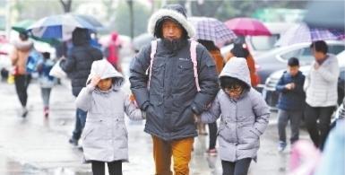 """武汉的3月将以雨水""""揭幕"""" 随雨而来的..."""