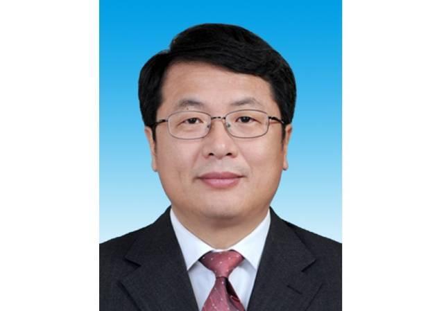 张虎、覃伟中任广东省副省长