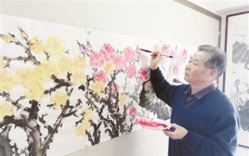 """画家赵河创作巨幅国画""""盛世月季图"""""""