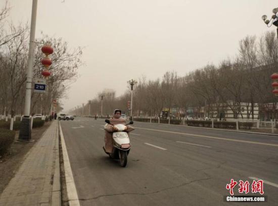 北方部分地区有沙尘 内蒙古黑龙江等地...